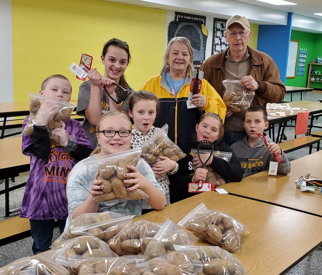 Elementary Level Service Learning team The Potato Peelers its Community Event in partnership with the Kewaunee County Food Pantry